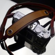 Gariz Leather Neck Strap XS-CHLSNBR : Brown
