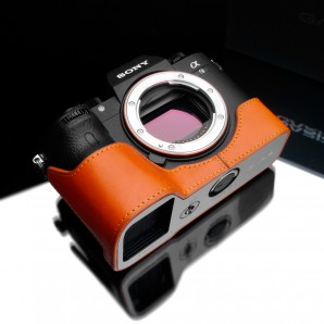 Gariz Half-case for Sony A9 , A7R III, A7 III  : Orange (XS-CHA9OR)