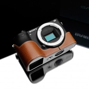 Gariz Leather Half-case for Sony A6500: Camel (XS-CHA6500CM)