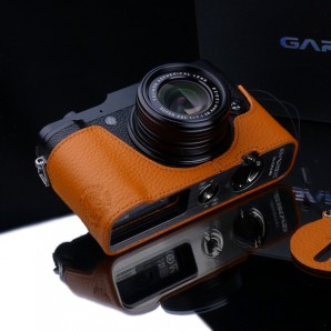 Gariz Leather Half-case for Fuji X10 / X20: orange