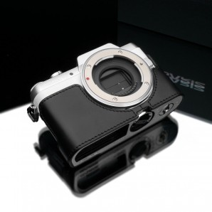 Gariz Leather Half-case for Lumix GF7: Black (XS-CHGF7BK)