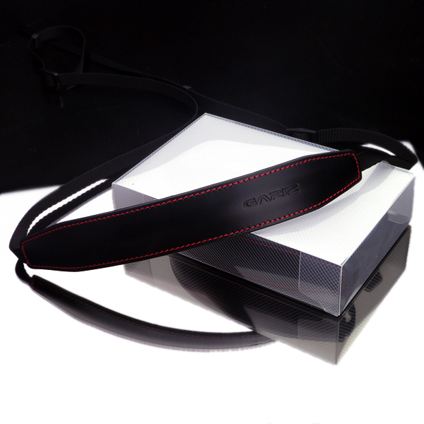 Gariz Leather Neck Strap XA-CHLSS2 : Black/red